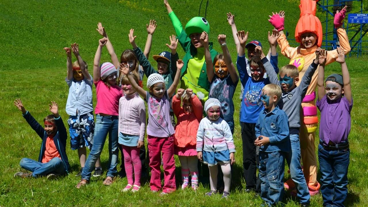 Подарки для детей 1 июня от комплекса Благодать